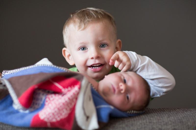 zKinderfotos-Neugeborenenfots-Babyfotos-Familienfotos-Kids-0001-1-3