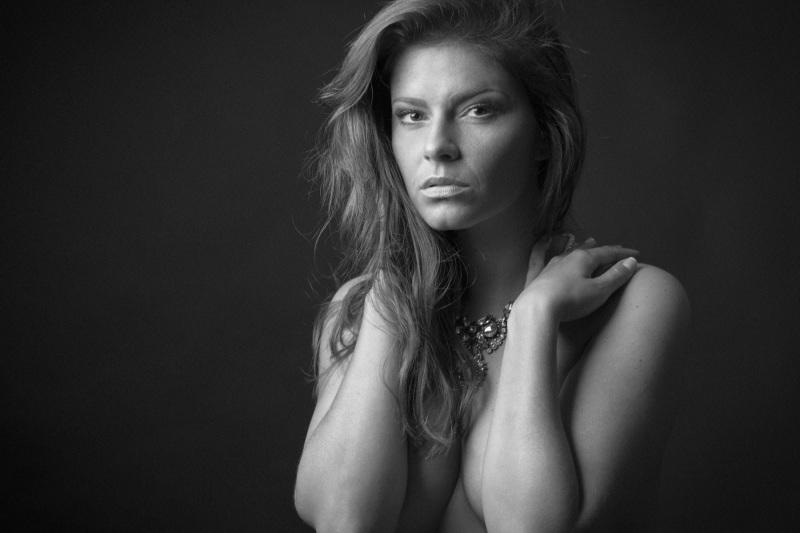 Portrait-Portraits-Portraitfotografie-Bewerbungsbild-Gesichtsfoto-Ganzkörperbild-0061