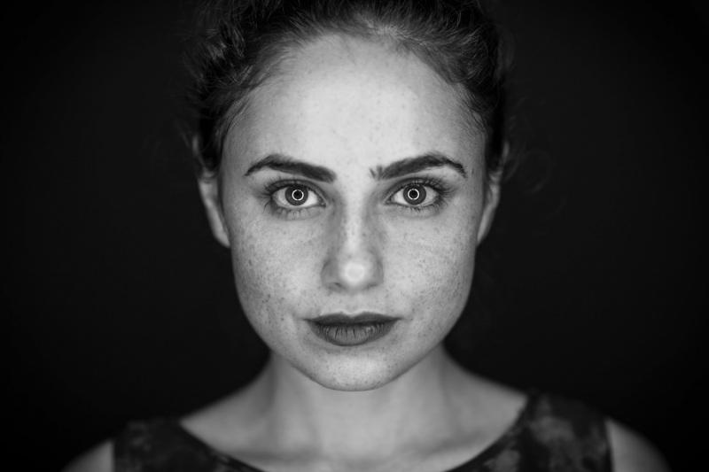 Portrait-Portraits-Portraitfotografie-Bewerbungsbild-Gesichtsfoto-Ganzkörperbild-0180